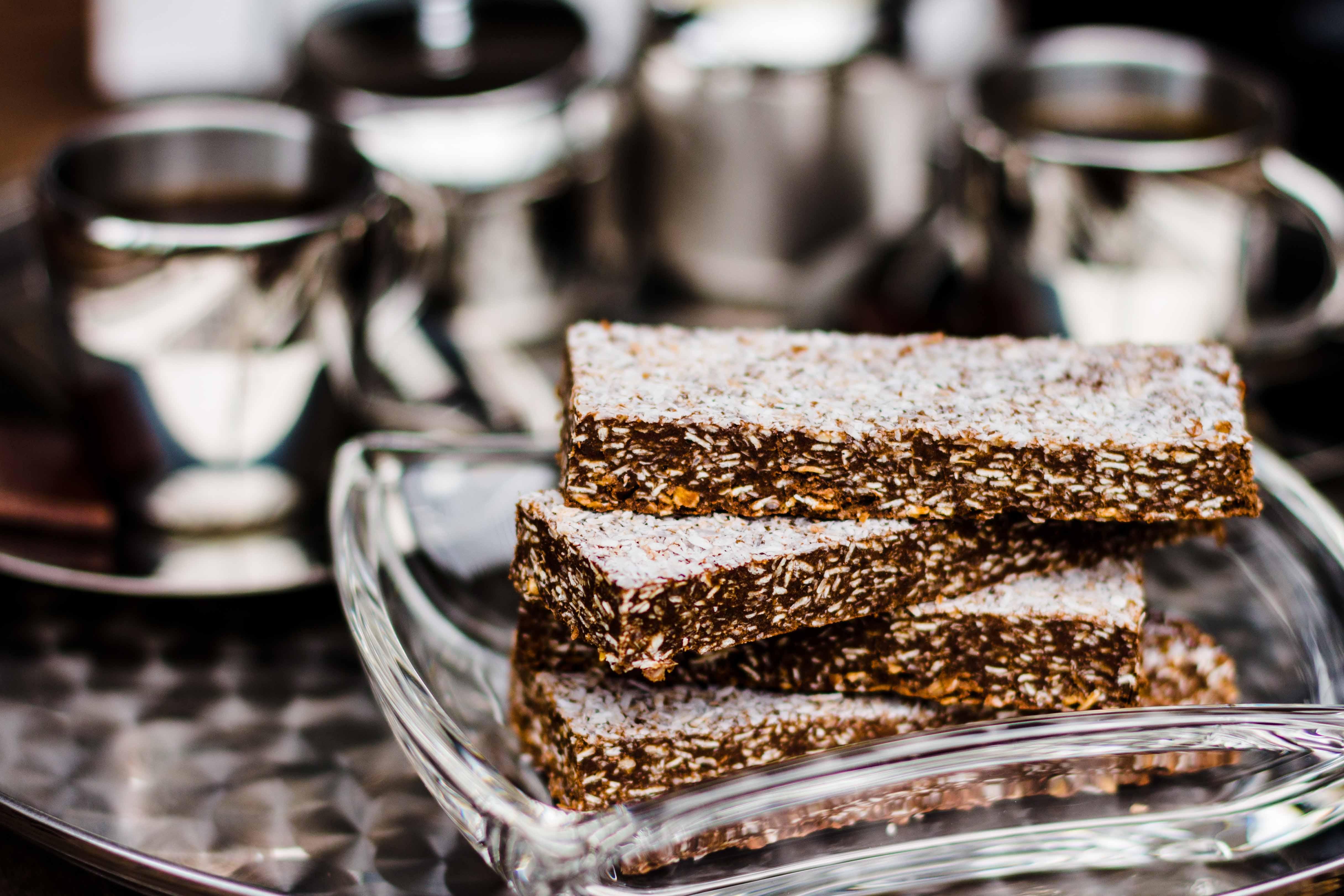 No-Bake Schoko-Kokos-Proteinriegel