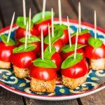 Tomate-Basilikum-Tofu-Spieße