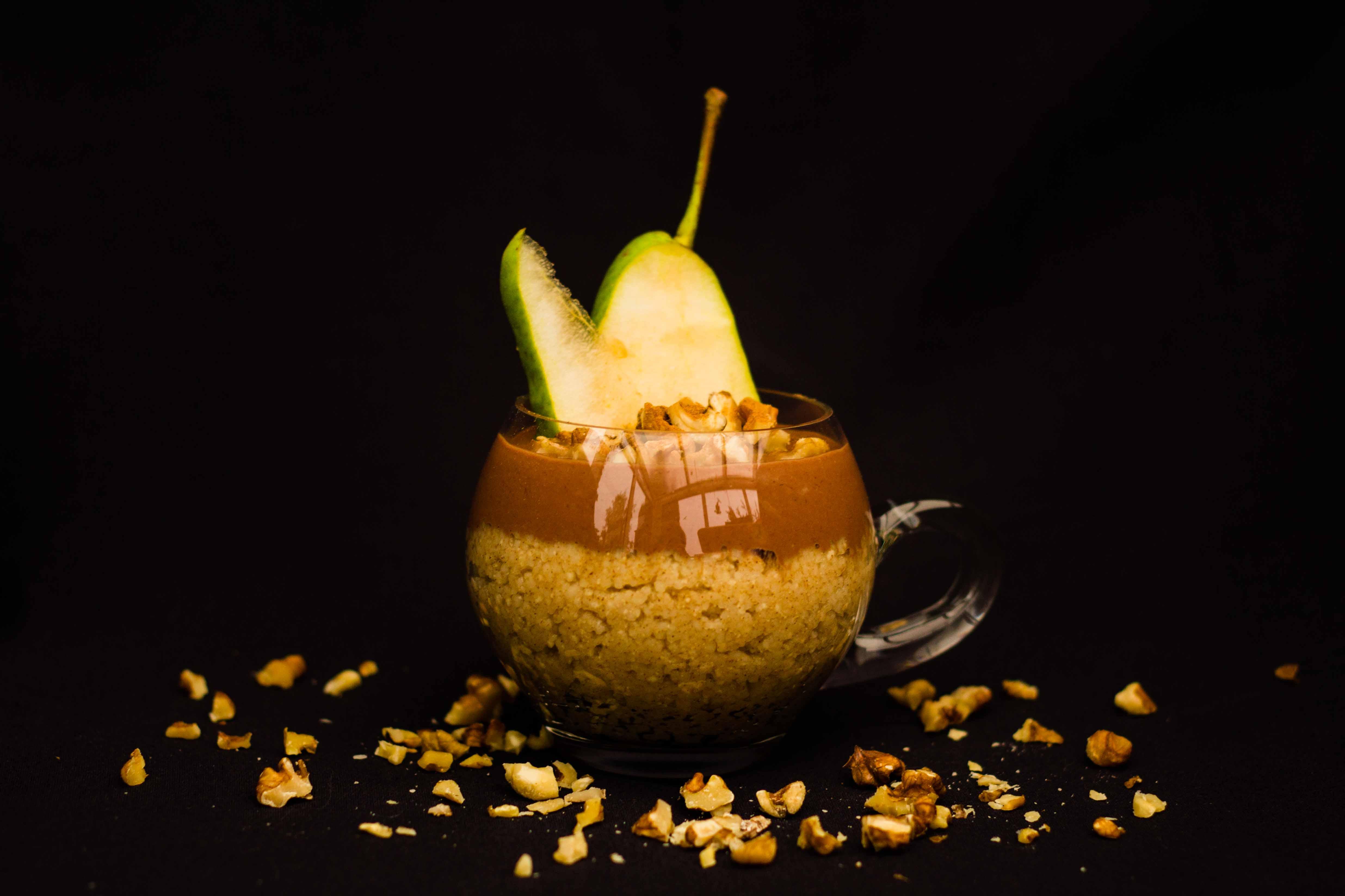 Birnen-Couscous mit Schoko-Bananen-Creme