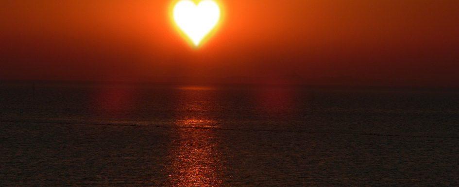 Sonnenuntergang, Sonnenvitamin D, Sonne in Herzform