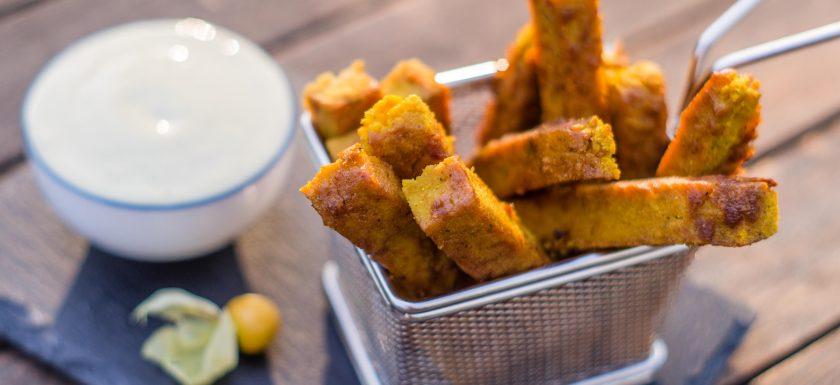Kichererbsen-Fritten mit Zucchini-Minz-Yoghurt